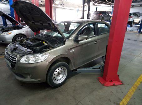 Peugeot 301 2013 - отзыв владельца