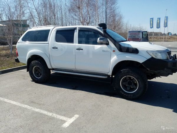 Toyota Hilux Pick Up, 2012 год, 1 400 000 руб.