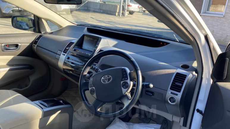 Toyota Prius, 2009 год, 560 000 руб.