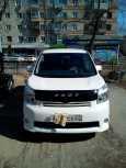 Toyota Voxy, 2010 год, 800 000 руб.