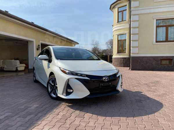 Toyota Prius PHV, 2017 год, 1 530 000 руб.