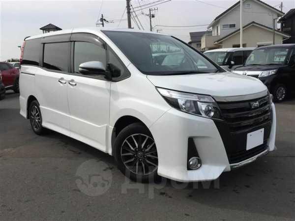 Toyota Noah, 2017 год, 950 000 руб.