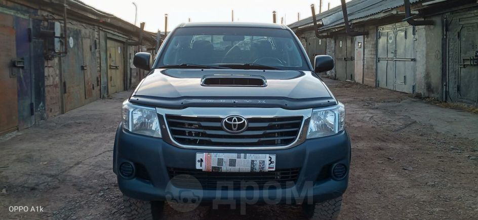 Toyota Hilux Pick Up, 2013 год, 1 050 000 руб.