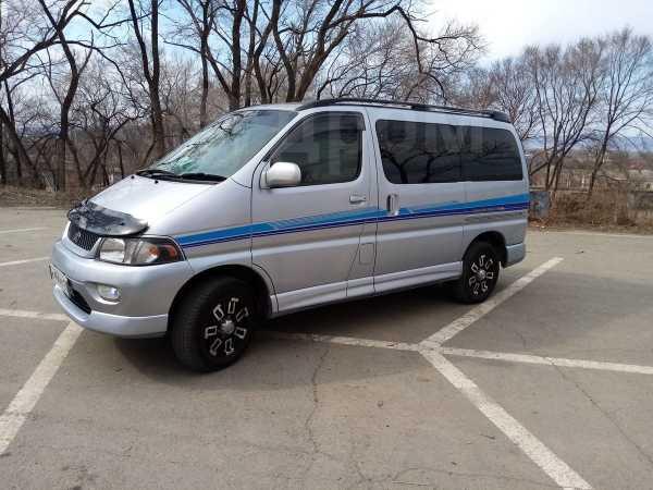 Toyota Hiace Regius, 1998 год, 525 000 руб.