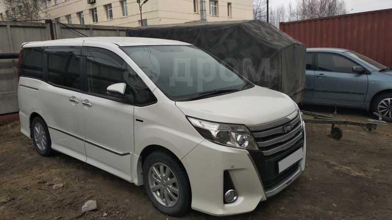 Toyota Noah, 2015 год, 1 100 000 руб.