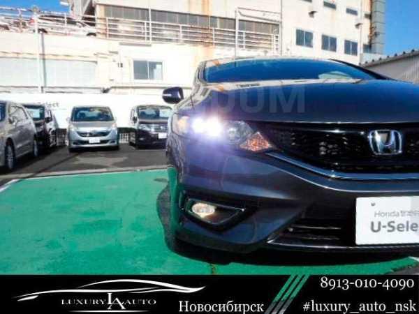 Honda Jade, 2017 год, 900 000 руб.