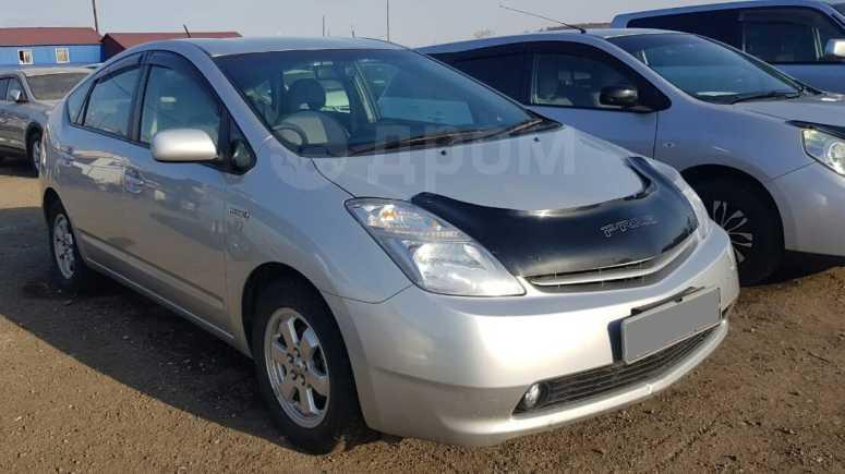 Toyota Prius, 2011 год, 615 000 руб.