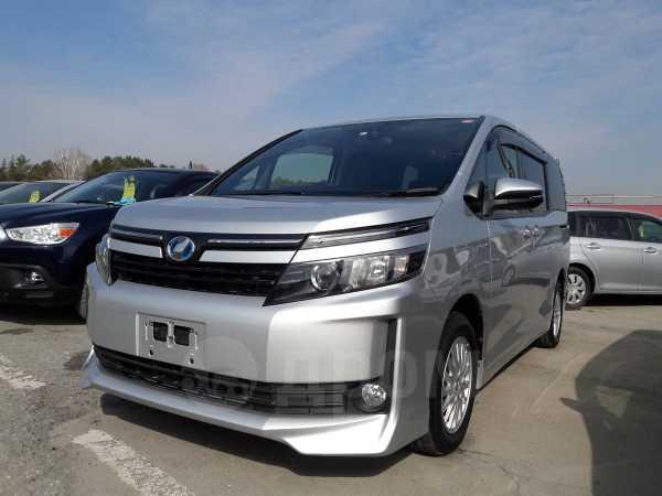 Toyota Voxy, 2014 год, 1 329 000 руб.