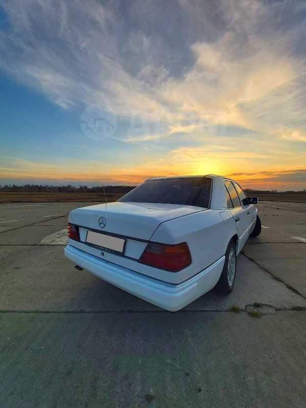 Mercedes-Benz E-Class, 1993 год, 199 000 руб.