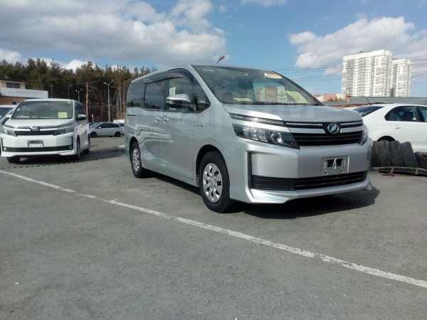 Toyota Voxy, 2014 год, 1 230 999 руб.