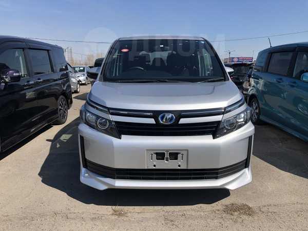 Toyota Voxy, 2015 год, 1 199 000 руб.