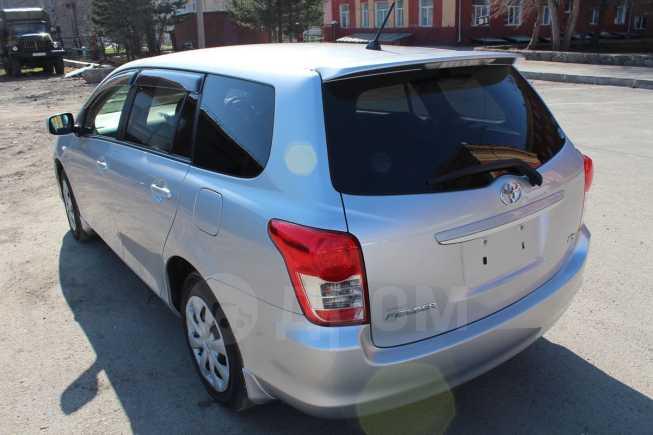 Toyota Corolla Fielder, 2010 год, 680 000 руб.