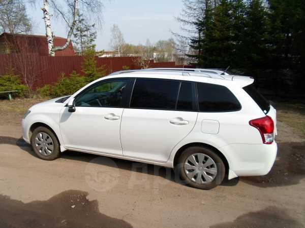 Toyota Corolla Fielder, 2012 год, 745 000 руб.
