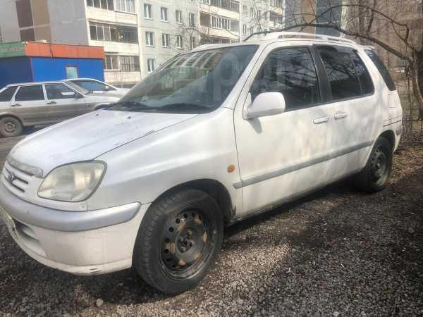 Toyota Raum, 1998 год, 137 000 руб.