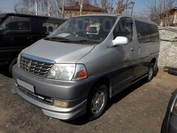 Toyota Grand Hiace, 2002 год, 735 000 руб.