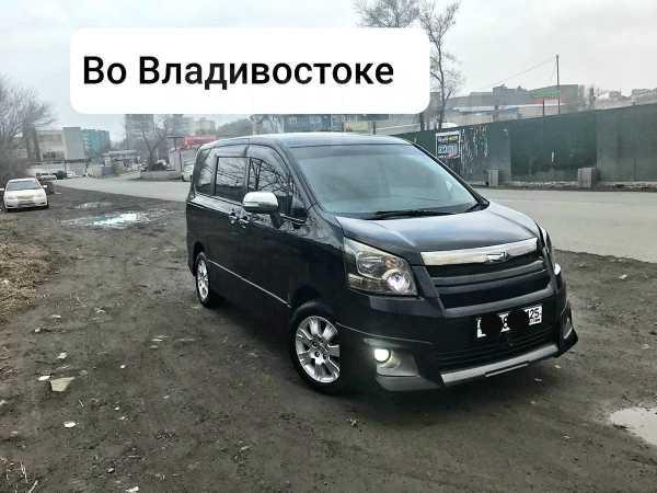 Toyota Noah, 2010 год, 780 000 руб.