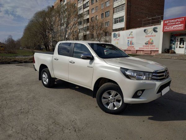 Toyota Hilux Pick Up, 2015 год, 1 520 000 руб.