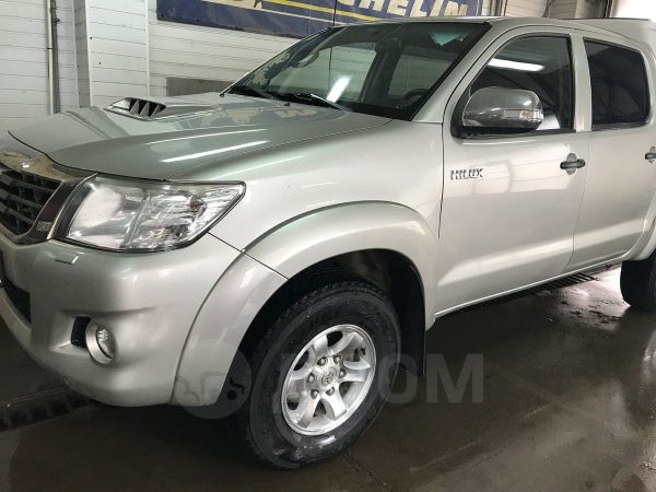 Toyota Hilux Pick Up, 2011 год, 970 000 руб.