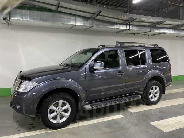 Nissan Pathfinder, 2011 год, 1 070 000 руб.