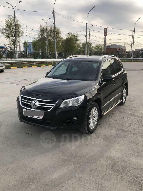 Volkswagen Tiguan, 2011 год, 755 000 руб.