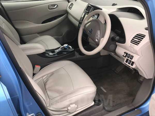 Nissan Leaf, 2011 год, 275 000 руб.