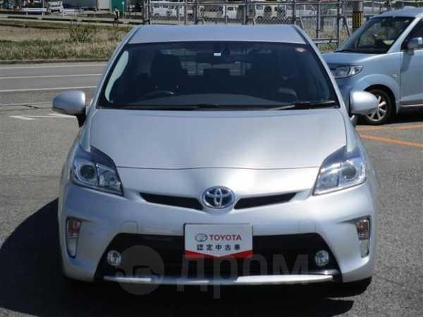 Toyota Prius, 2015 год, 625 000 руб.