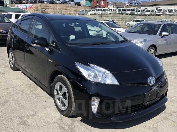 Toyota Prius, 2015 год, 745 000 руб.