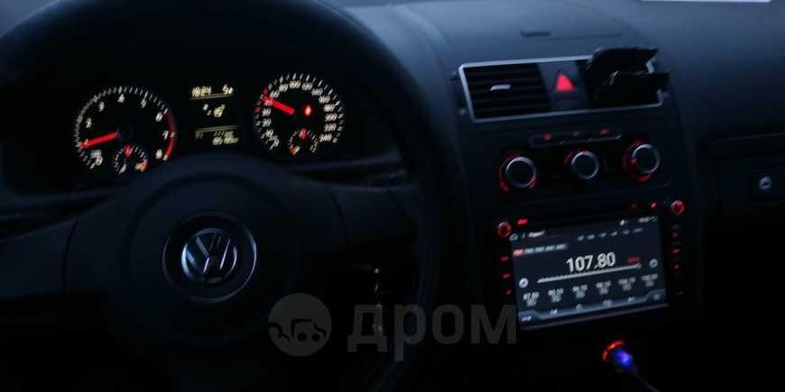 Volkswagen Touran, 2011 год, 500 000 руб.