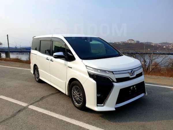 Toyota Voxy, 2019 год, 1 600 000 руб.