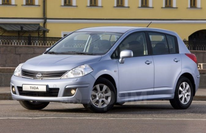 Nissan Tiida, 2011 год, 330 000 руб.