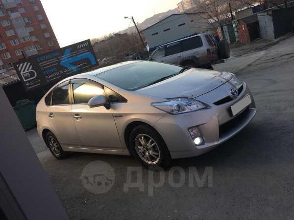 Toyota Prius, 2011 год, 555 000 руб.