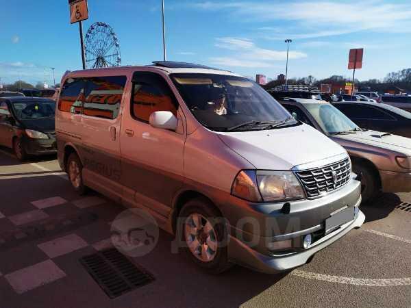 Toyota Grand Hiace, 2002 год, 340 000 руб.