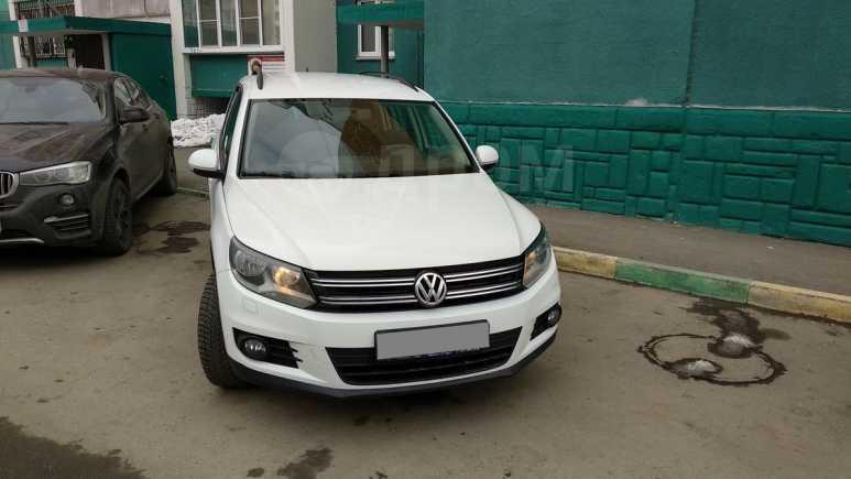 Volkswagen Tiguan, 2013 год, 770 000 руб.