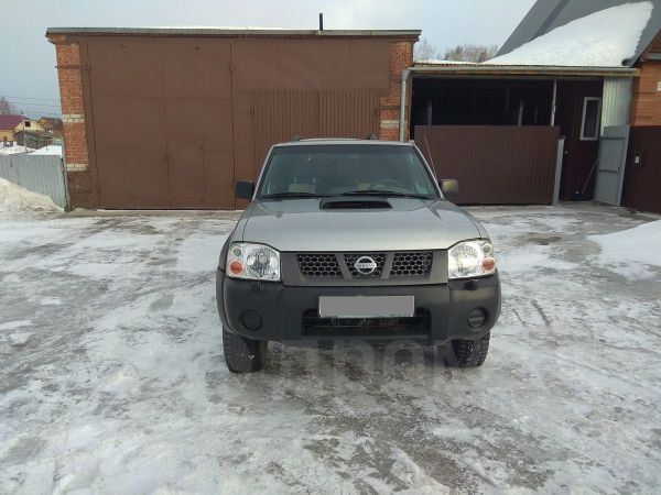 Nissan NP300, 2013 год, 660 000 руб.