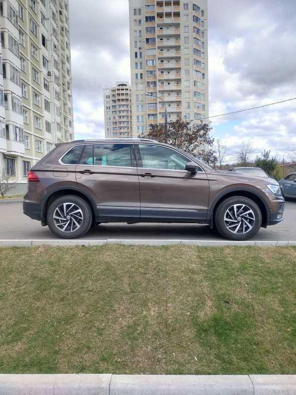 Volkswagen Tiguan, 2018 год, 1 680 000 руб.