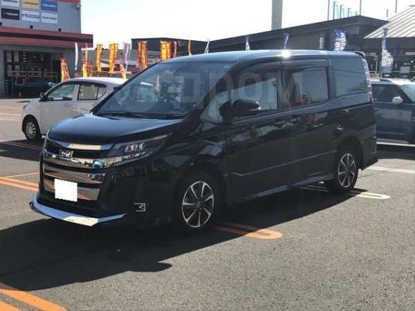 Toyota Noah, 2018 год, 985 000 руб.