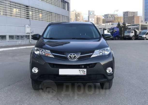 Toyota RAV4, 2015 год, 1 090 000 руб.