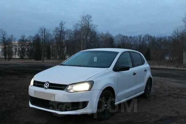 Volkswagen Polo, 2011 год, 260 000 руб.