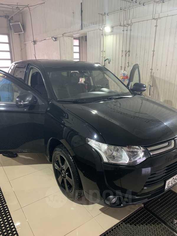 Mitsubishi Outlander, 2012 год, 700 000 руб.