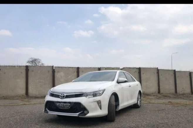 Toyota Camry, 2017 год, 1 580 000 руб.