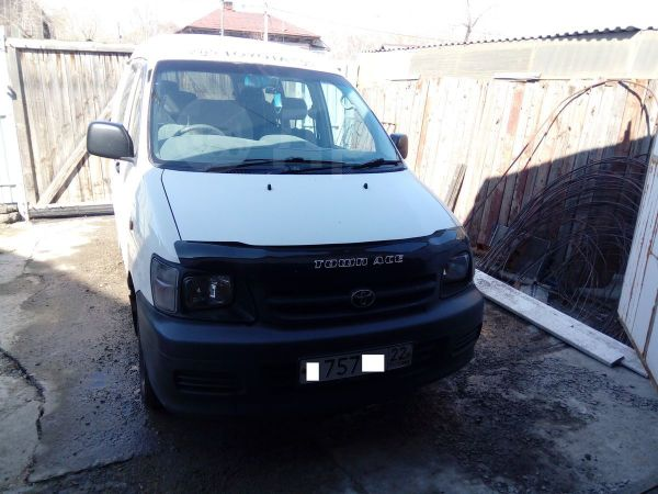 Toyota Town Ace, 2003 год, 280 000 руб.
