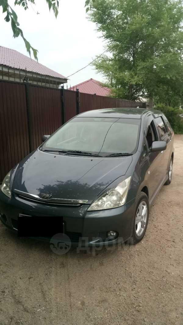 Toyota Wish, 2003 год, 485 000 руб.
