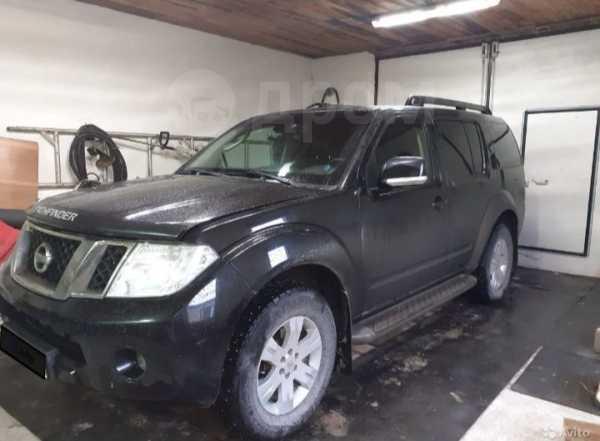 Nissan Pathfinder, 2010 год, 930 000 руб.
