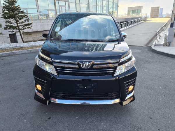 Toyota Voxy, 2015 год, 1 230 000 руб.