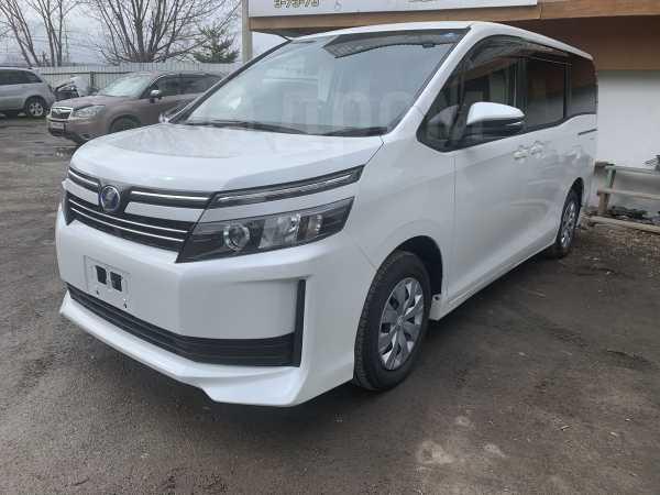 Toyota Voxy, 2016 год, 1 270 000 руб.