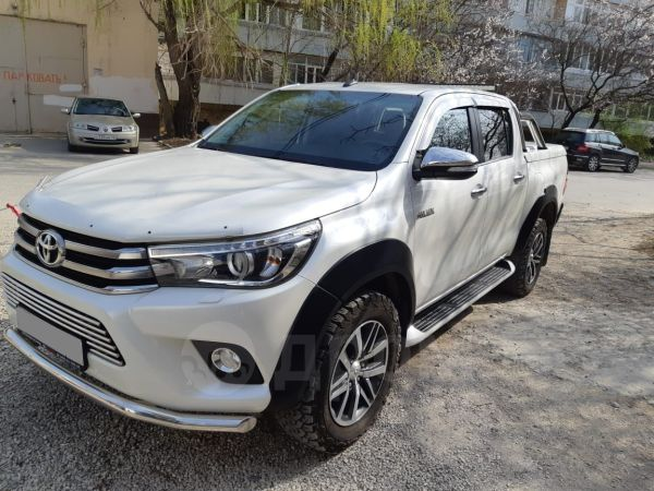 Toyota Hilux Pick Up, 2017 год, 2 700 000 руб.