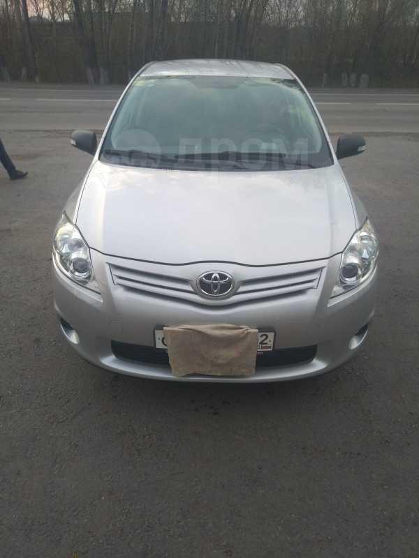 Toyota Auris, 2011 год, 599 999 руб.