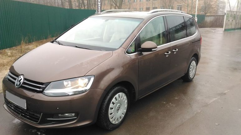 Volkswagen Sharan, 2010 год, 800 000 руб.