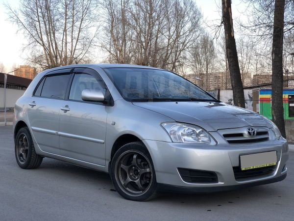 Toyota Corolla, 2004 год, 317 000 руб.