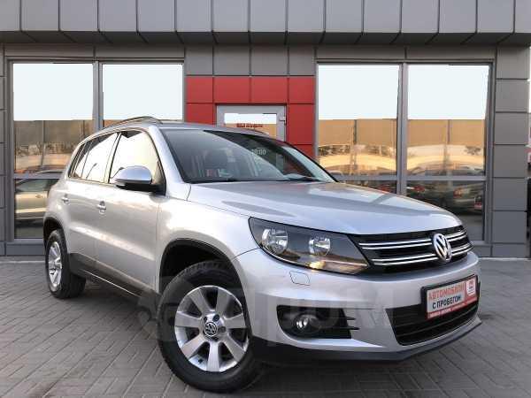 Volkswagen Tiguan, 2012 год, 730 000 руб.